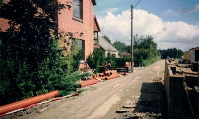 Fjernvarmearbejde i Højme foran den tidligere Købmandsbutik